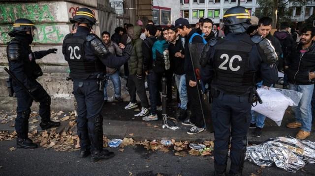 El Ministro del Interior, Christophe Castaner, anunció que los campamentos de migrantes establecidos en el noreste de París serán evacuados a finales de año. (AFP)