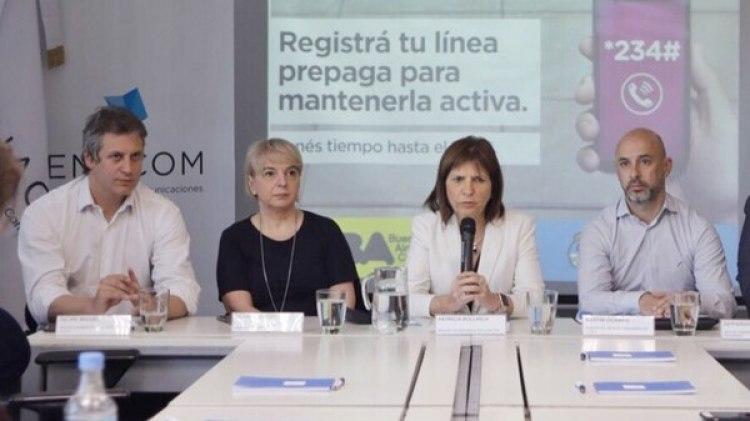La primera plana de la Seguridad de Nación y Ciudad en el ENACOM, junto a Silvana Giudice.