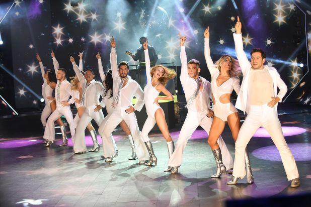 """Fer Dente y Maca Rinaldi abrieron el lunes pasado una nueva gala del ritmo """"homenajes"""" del Bailando 2019 con un tributo a ABBA, que se llevó los elogios de todo el jurado. La coreografía arrancó con el actor entonando en vivo unas estrofas de """"Thank you for the music"""" y siguió con un popurrí de los hits más recordados del mítico grupo, como """"Dancing Queen"""", """"Gimme! Gimme! Gimme!"""" y """"Voulez-Vous (Foto: Prensa Laflia)"""