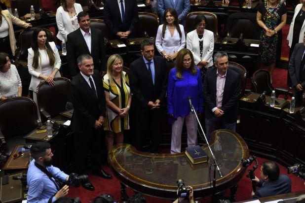"""Carlos Castagneto, Cristina Álvarez Rodríguez, Sergio Massa, Graciela Camaño y Andrés """"Cuervo"""" Larroque"""