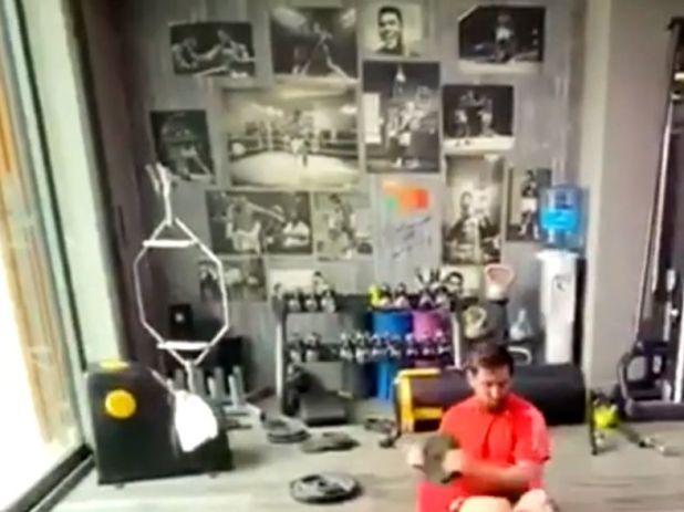 Las fotos de Muhammad Ali que se vieron en el gimnasio de Messi durante un video