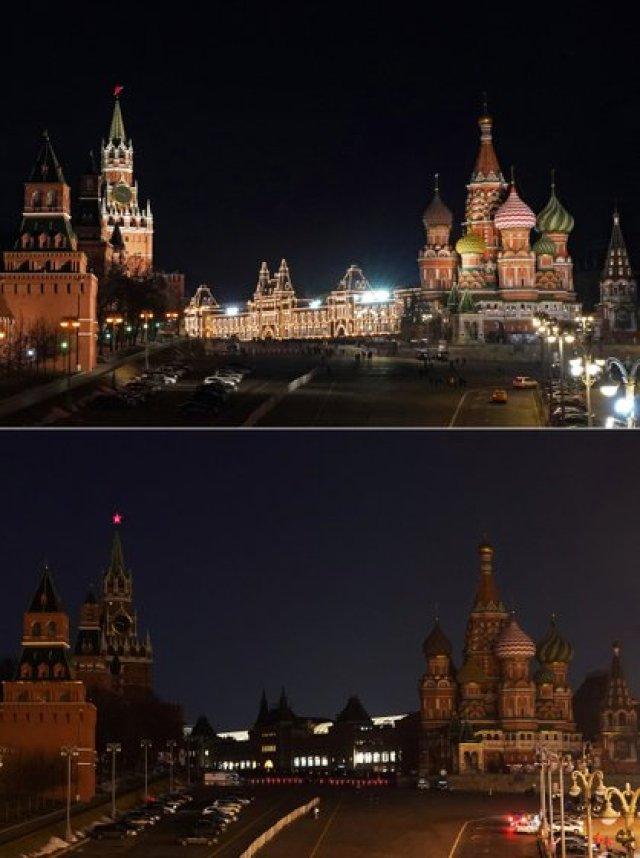 Una foto combinada muestra el Kremlin, los grandes almacenes GUM y la Catedral de San Basilio antes (arriba) y durante la Hora del Planeta en Moscú, Rusia