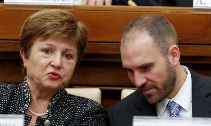 La directora gerente del FMI, Kristalina Georgieva, junto al ministro de Economía, Martín Guzmán (REUTERS/Remo Casilli)