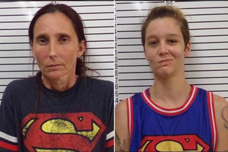 Las fichas policiales de madre e hija, tras el arresto