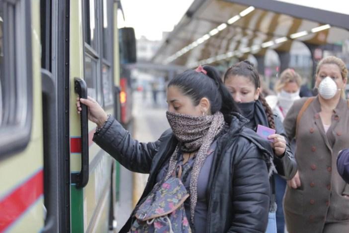 Habrá nuevas restricciones en el transporte público