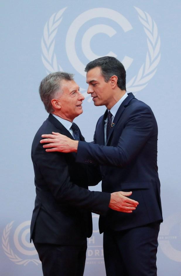 Mauricio Macri junto al primer ministro español, Pedro Sánchez (REUTERS)