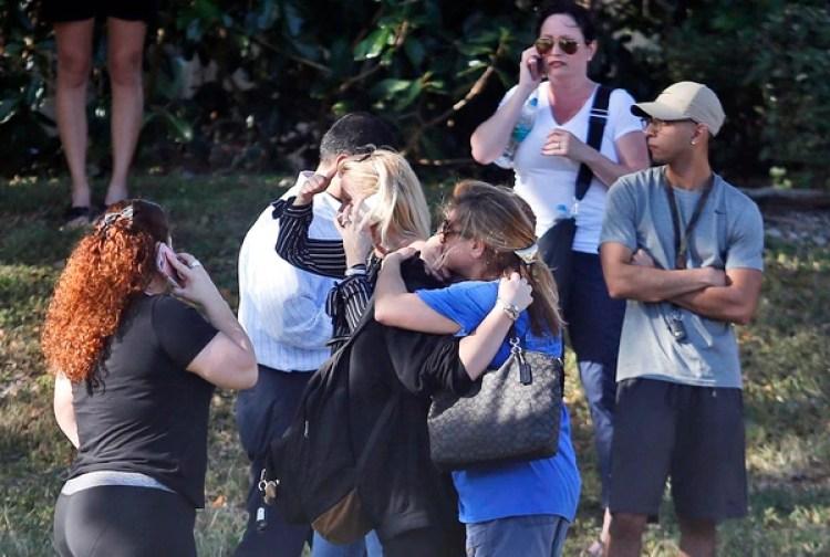 17 personas murieron en el tiroteo en la Marjory Stoneman Douglas High School (AP)