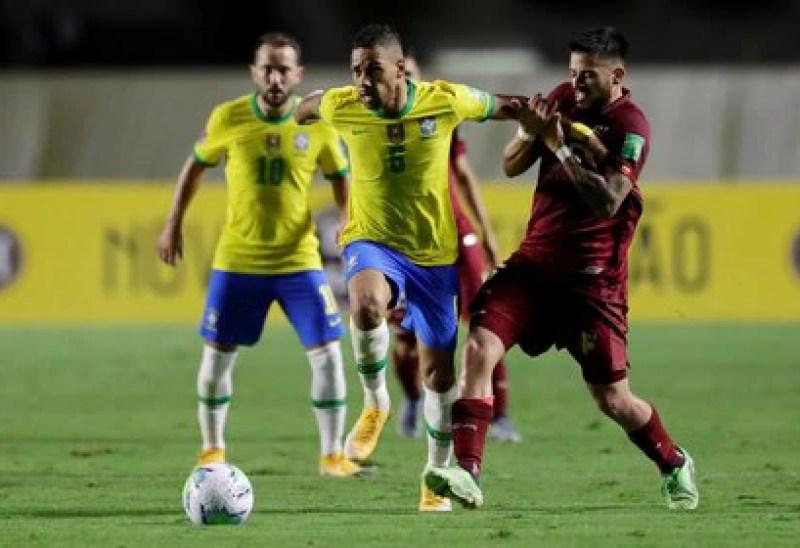 Brasil le ganó a Venezuela y ahora se enfrentará a Uruguay (REUTERS)