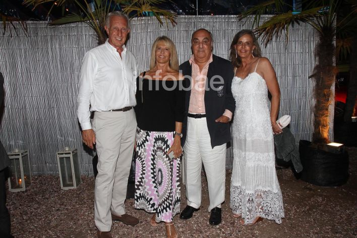 Punta del Este Rattazzi Jorge Neuss y mujer Silvia Saravia marca