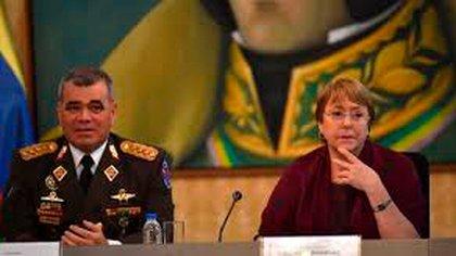 El ministro de la defensa Vladimir Padrino y la Alta Comisionada Michelle Bachelet