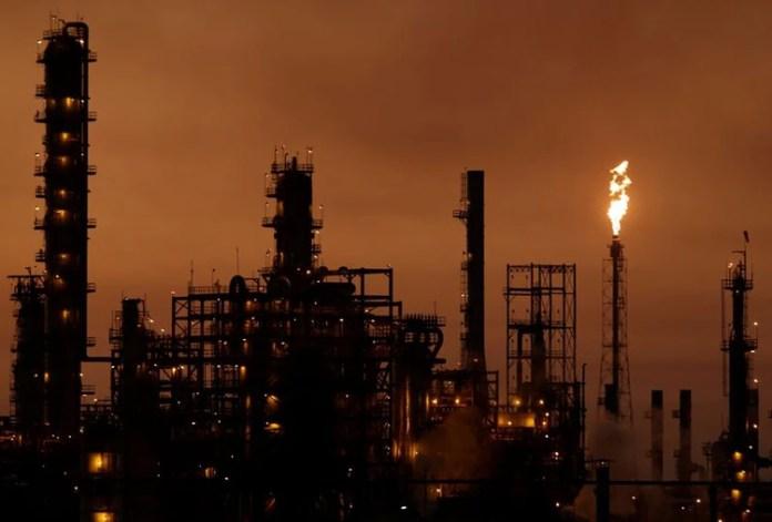 Foto de archivo. Una vista general de la refinería Cadereyta de la petrolera estatal mexicana Pemex, en Cadereyta, México, REUTERS/Daniel Becerril