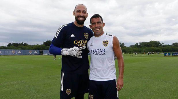 Marcos Díaz y Carlos Tevez, los más veteranos del plantel de Boca (@bocajrsoficial)