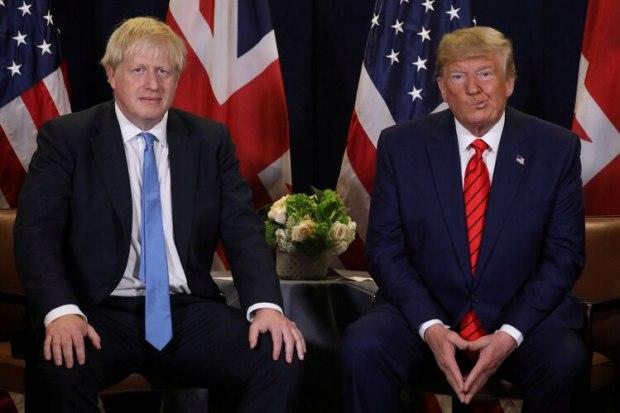 El presidente de los Estados Unidos, Donald Trump, en una reunión bilateral con el primer ministro británico, Boris Johnson en Nueva York, el 24 de septiembre de 2019 (Reuters)