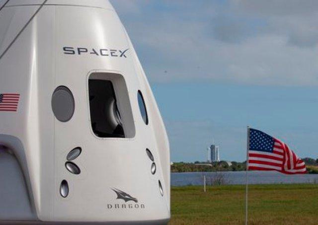 La misión se realizará a bordo de la nave espacial Dragon (EFE/CJ Gunther)