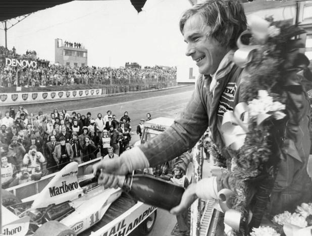 Decidió ser piloto y a los 23 años llegó a las grandes ligas. Vivió un duelo histórico con Niki Lauda que terminó en película. Murió a los 45 años.
