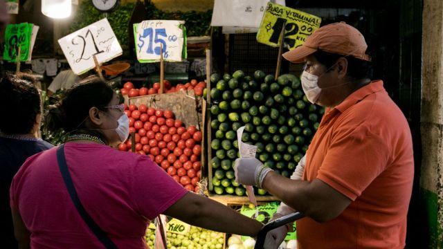 El mandatario destacó que al menos 70% de los mexicanos se han beneficiado. (Foto: Cuartoscuro)