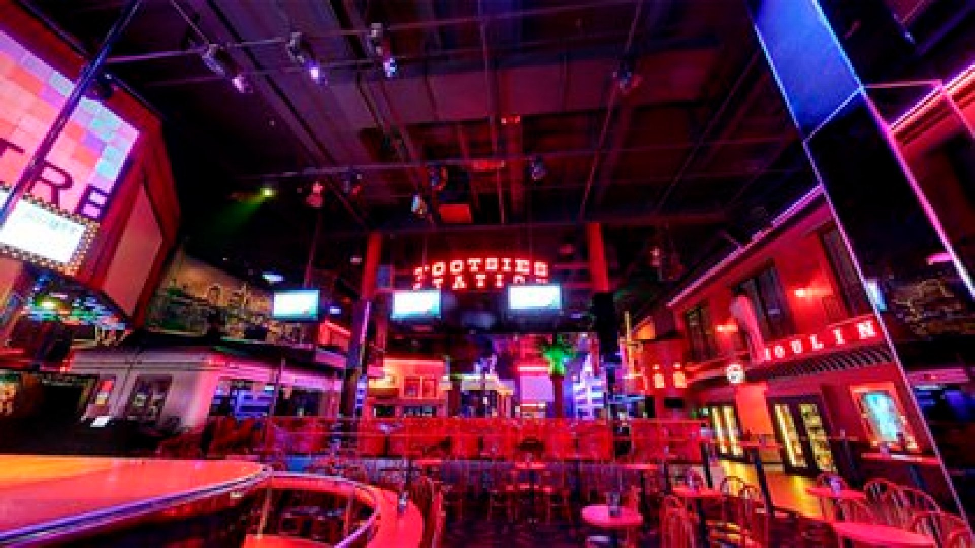 """El Strip Club se ufana en su sitio web de ser """"el más grande del mundo"""""""