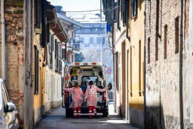 Una ambulancia en Codogno, el otro foco inicial del coronavirus en el norte de Italia (Claudio Furlan/LaPresse via ZUMA / DPA)