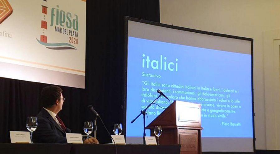 El sociólogo Riccardo Giumelli en un momento del seminario (Foto: Gentileza Embajada de Italia en Argentina)