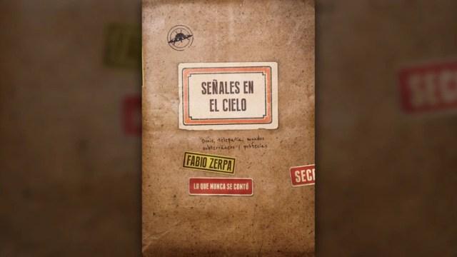 """Uno de los últimos trabajos de Fabio Zerpa, el libro """"Señales en el cielo"""" (Editorial Sudamericana)"""