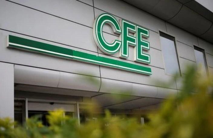 La CFE también entró de lleno en la política energética de AMLO con el aumento de tarifas a empresas de energías limpias (Foto: Daniel Becerril/ Reuters)