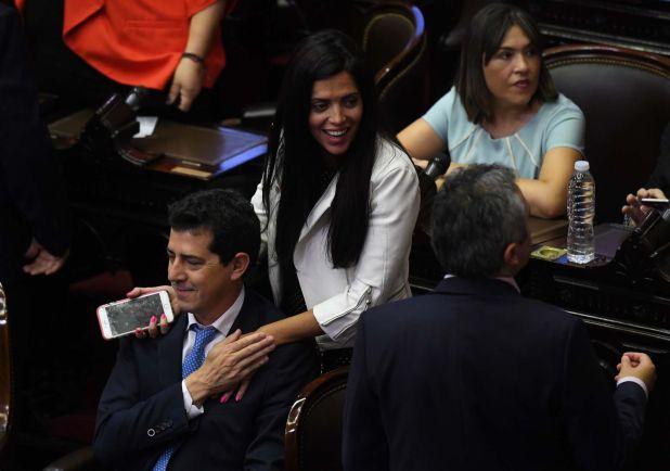 """Eduardo """"Wado"""" De Pedro y Luana Volnovich cuando ambos eran diputados (Foto: Maximiliano Luna)"""