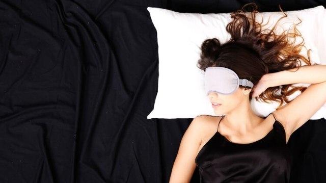 Al menos ocho horas de sueño, que sea reparador es lo ideal(Shutterstock)