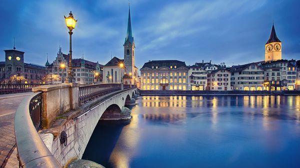 Zurich (Shutterstock)
