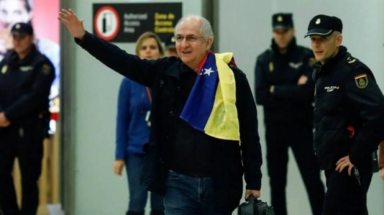 Antonio Ledezma, llegando a Madrid tras escapar del régimen de Nicolás Maduro