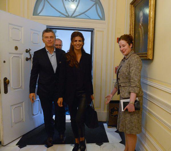 Mauricio Macri y su esposa Juliana Awada ingresan a la Blair House (Presidencia de la Nación)