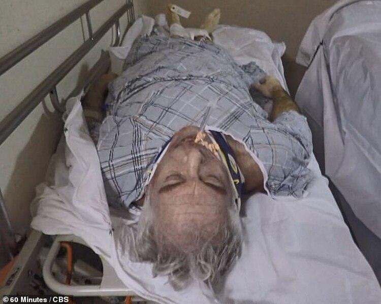 El cuerpo del empresario: las heridas que mostraba en su cuello, según el investigador de la familia, no ocurren cuando alguien se ahorca: para el perito fue estrangulado
