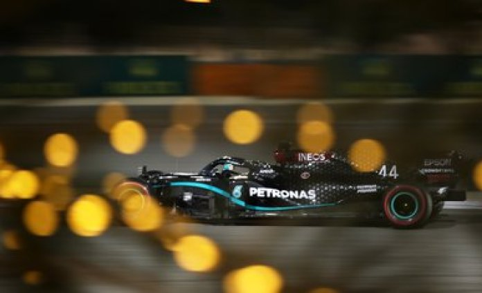 Lewis Hamilton, de Mercedes, amplió a 98 su propio récord histórico de 'poles' este sábado (Fotos: Reuters)