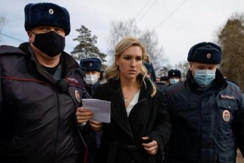 La detención de la médica personal de Navalny Anastasiya Vasilyeva (REUTERS/Maxim Shemetov)
