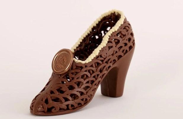 Zapato de taco elaborado de chocolate con leche