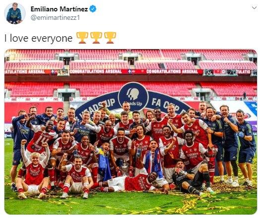 emoción de Emiliano Martínez tras ganar la FA Cup