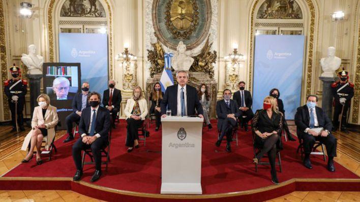 El presidente argentino Alberto Fernández anuncia el proyecto de reforma judicial en la Casa Rosada en Buenos Aires