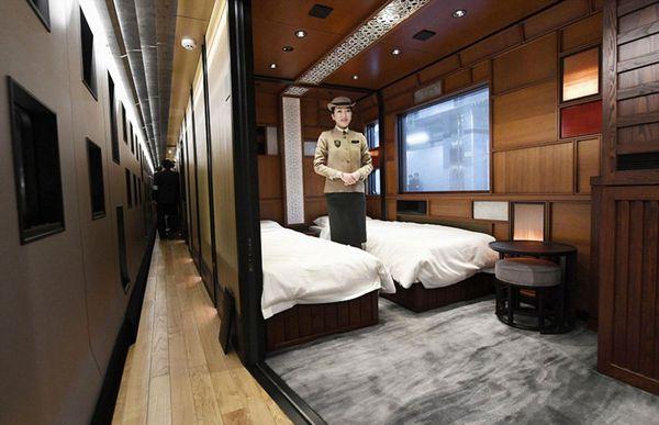 En todo el recorrido por el tren se develan guiños estilísticos a la cultura japonesa