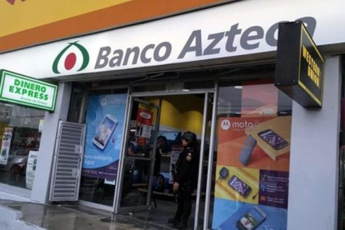 La mujer era trabajadora de Banco Azteca (Foto: Twitter/@ConfidencialMx_)