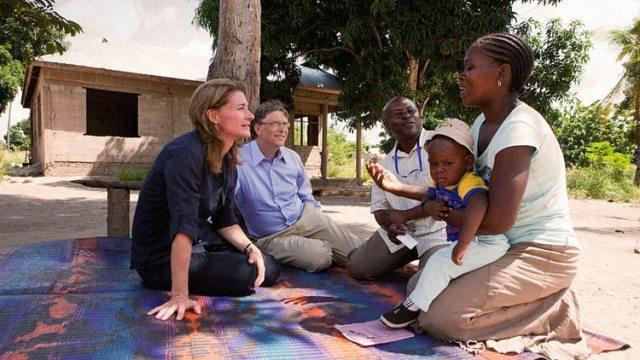 Bill y Melinda Gatestienen una fundación filantrópica de grandes ambiciones sociales.