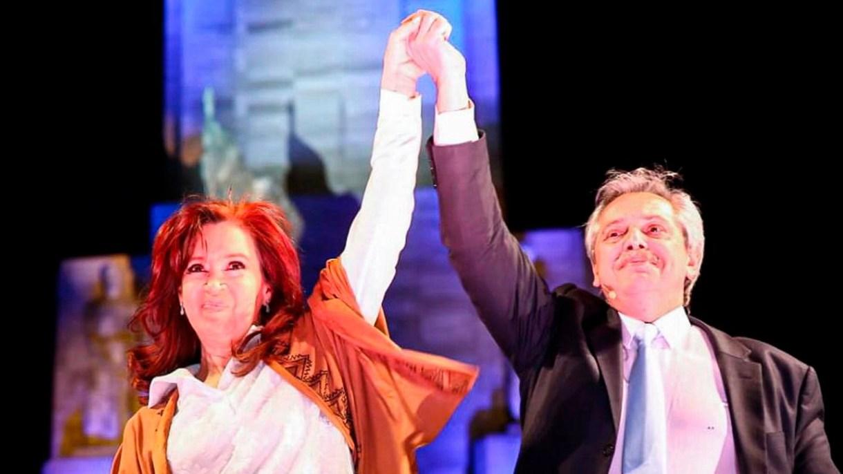 Cristina Kirchner y Alberto Fernández en el cierre de campaña en Rosario