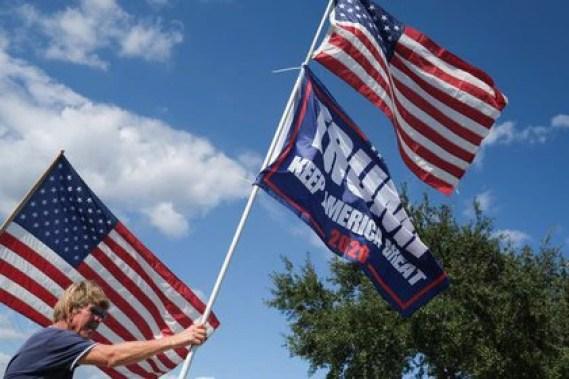 Un partidario del Presidente de los Estados Unidos Donald Trump en Sanford, Florida, Estados Unidos, el 12 de octubre de 2020. REUTERS/Ricardo Arduengo