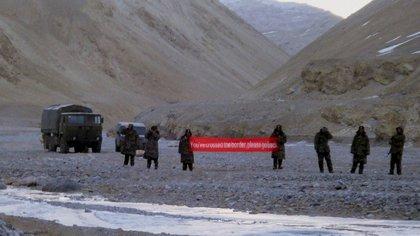 Tropas chinas en Ladakh, en la zona fronteriza con India, en una foto de 2013 (AP)
