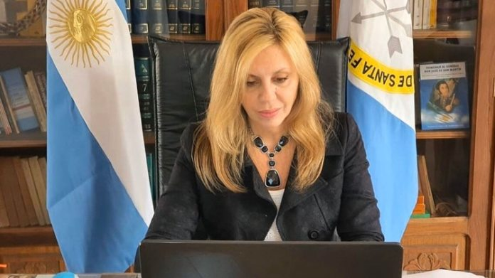 María de los Angeles Sacnun, senadora por Santa Fe (@SenadoArgentina)