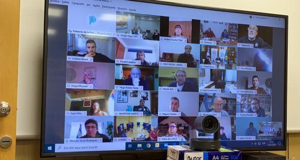 Axel Kicillof se reunió por videollamada con sindicalistas de distintos sectores