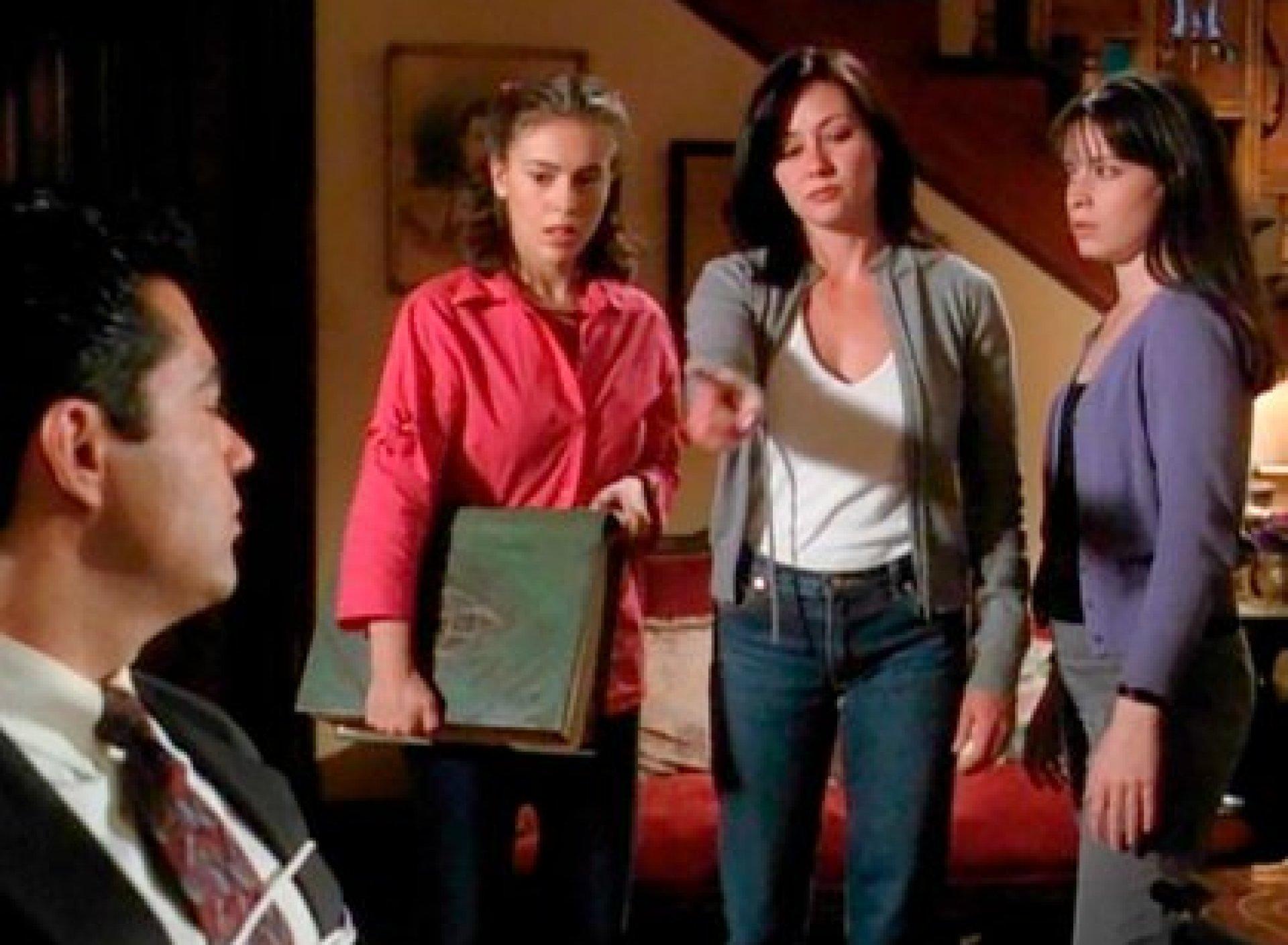 """Alyssa Milano, Shannen Doherty y Holly Marie Combs en """"Hechiceras"""" (Foto: Hechicheras/Warner Bros)"""