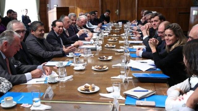 El ministro de Industria y Trabajo se reunirá con sindicalistas y empresarios después de las PASO