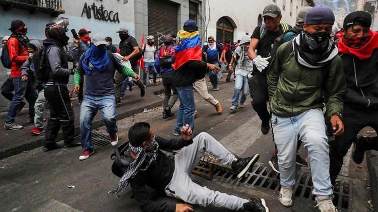 La violencia en las marchas (REUTERS/Ivan Alvarado)
