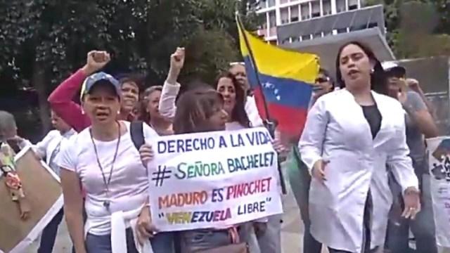 Una de las protestas durante la visita de Bachelet a Venezuela