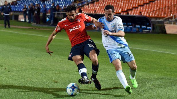 En 2017, jugando para Independiente frente a Atlético Tucumán. Jonás se fue molesto porque el técnico Ariel Holan no le anticipó que no lo iba a tener en cuenta.
