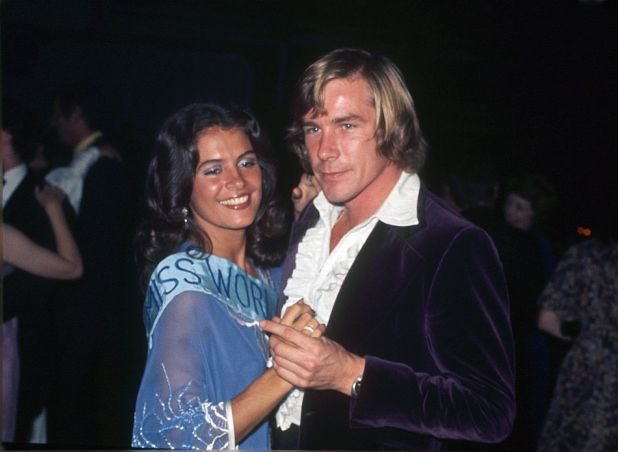Cindy Breakspeare, Miss Mundo 1976, junto a James Hunt.